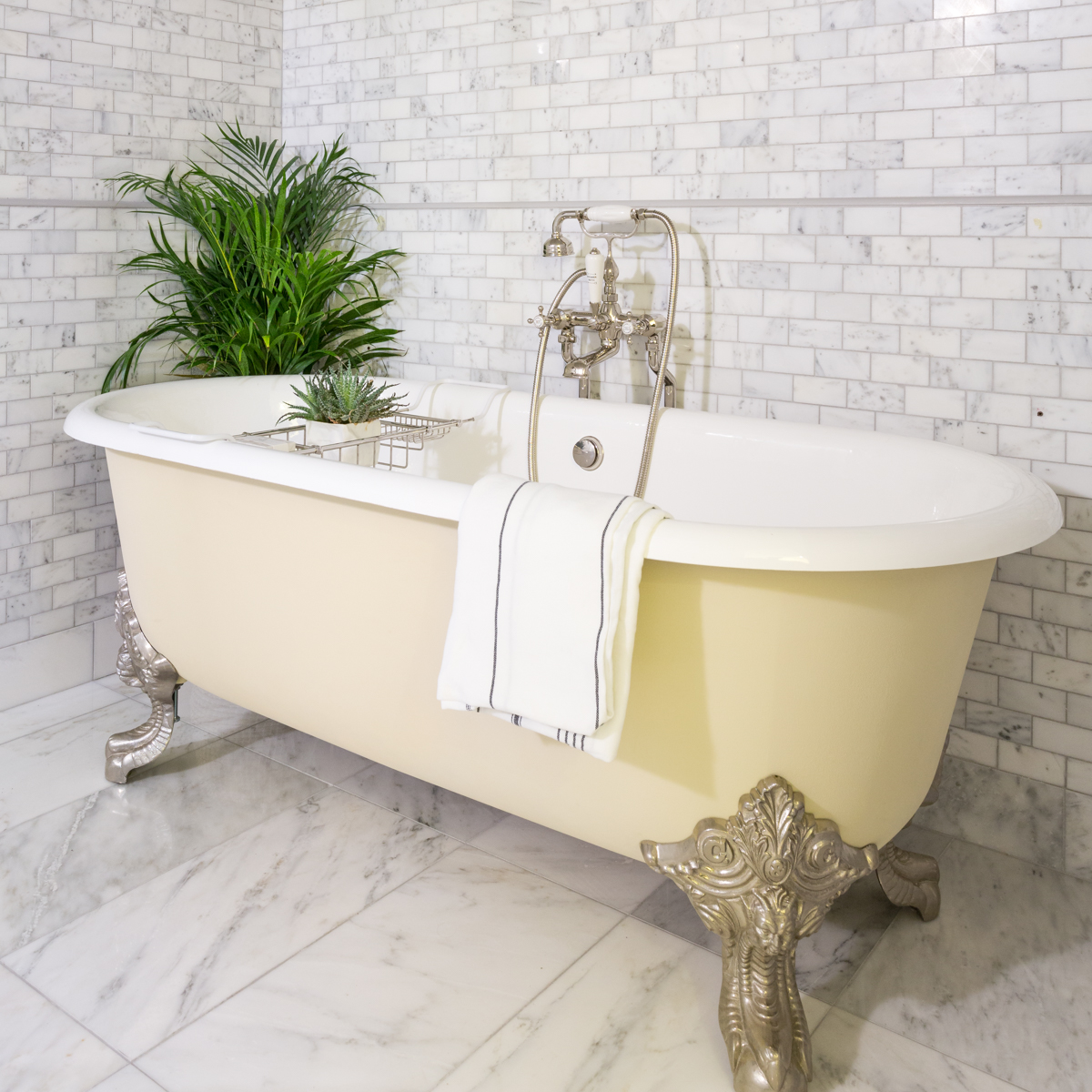 freestanding roll top bathtub victorian bathrooms
