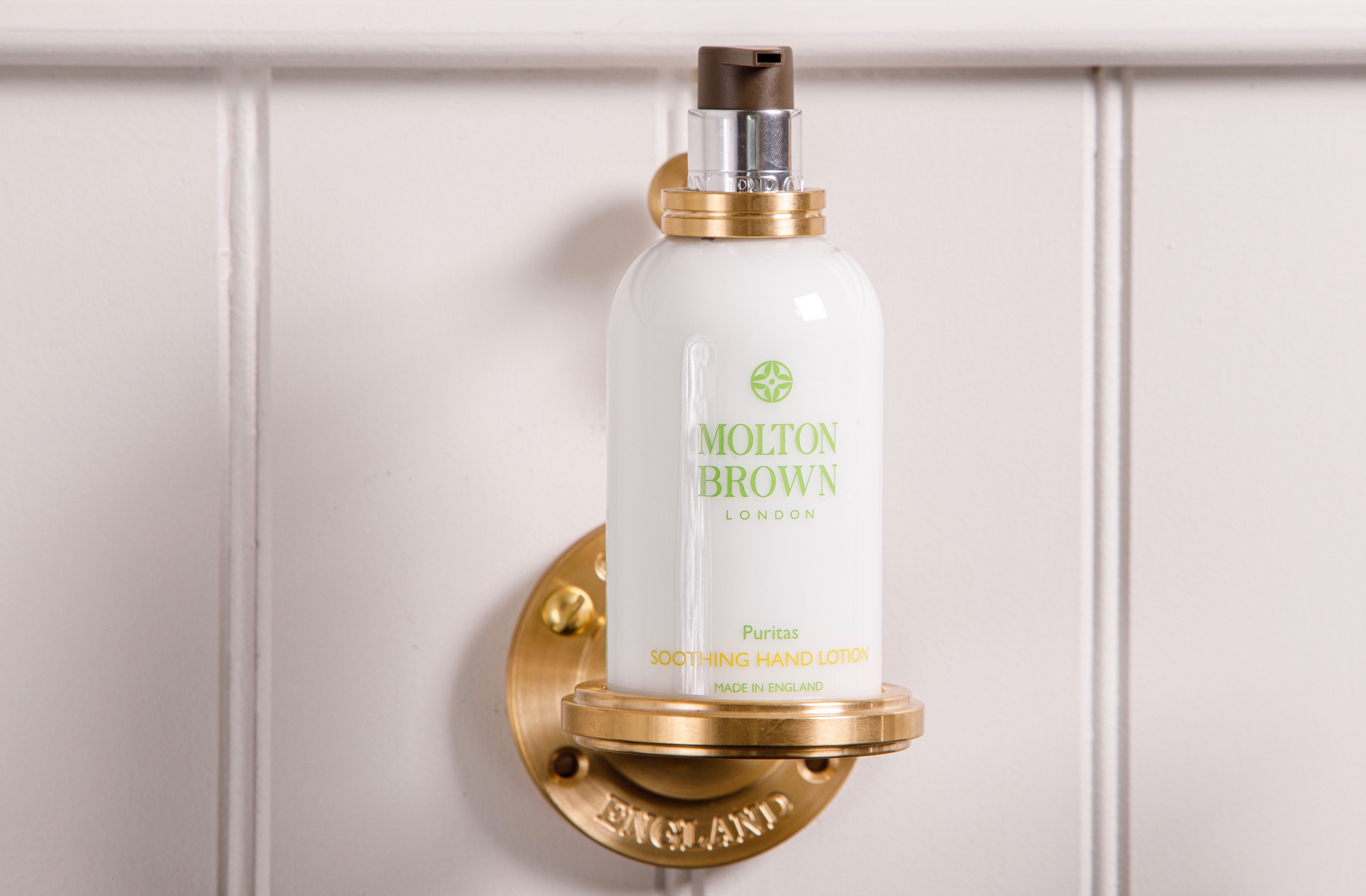 molton brown soap bottle holder bathroom accessory luxury bathroom