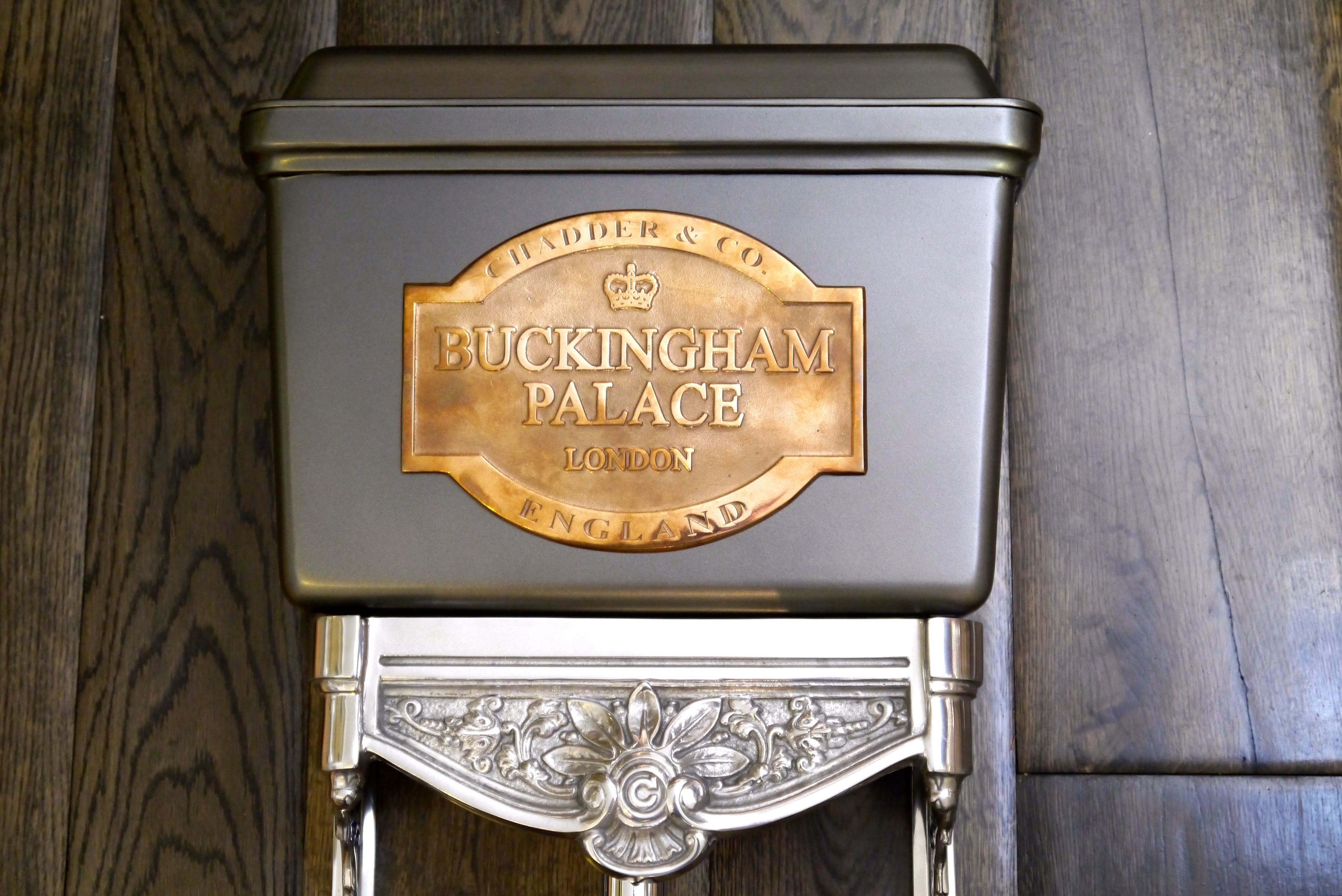 bespoke toilet cistern royal buckingham palace cloakroom toilet tank