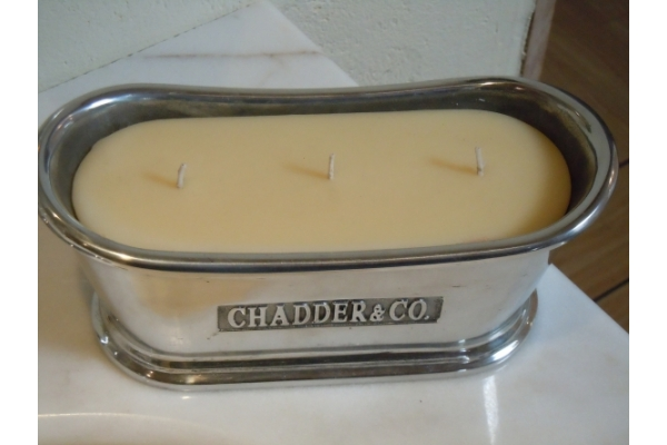 Small Bath with our Scented Panacotta Candle