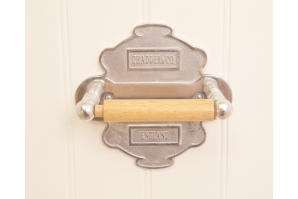 CHADDER A4 Toilet roll holder and back plate, Polished Metal Finish, Wooden rod