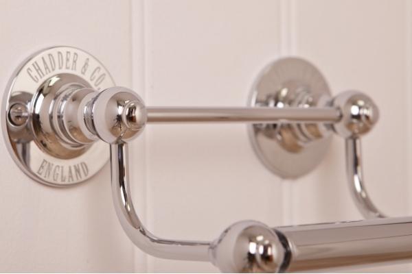 R1 Toilet Roll Holder Chrome, Metal Rod