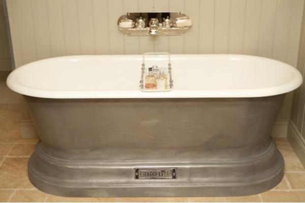 Chadite Churchill Bath with BSM 103 Bath Filler on Backplate in Nickel finish
