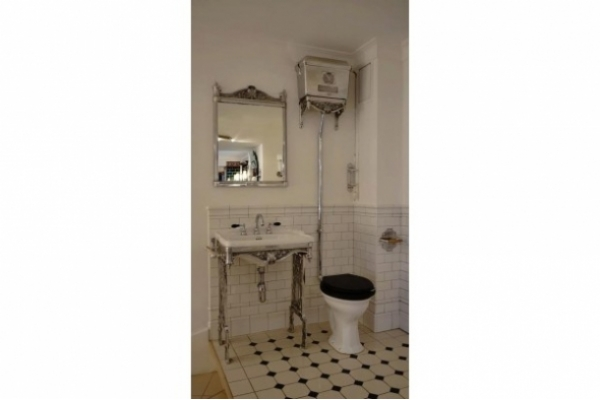 Chadder Blenheim Set, Basin, Mirror and High level toilet.