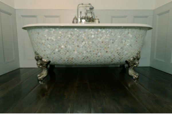 Chadite Blenheim Bath with square Mother of Pearl Exterior.
