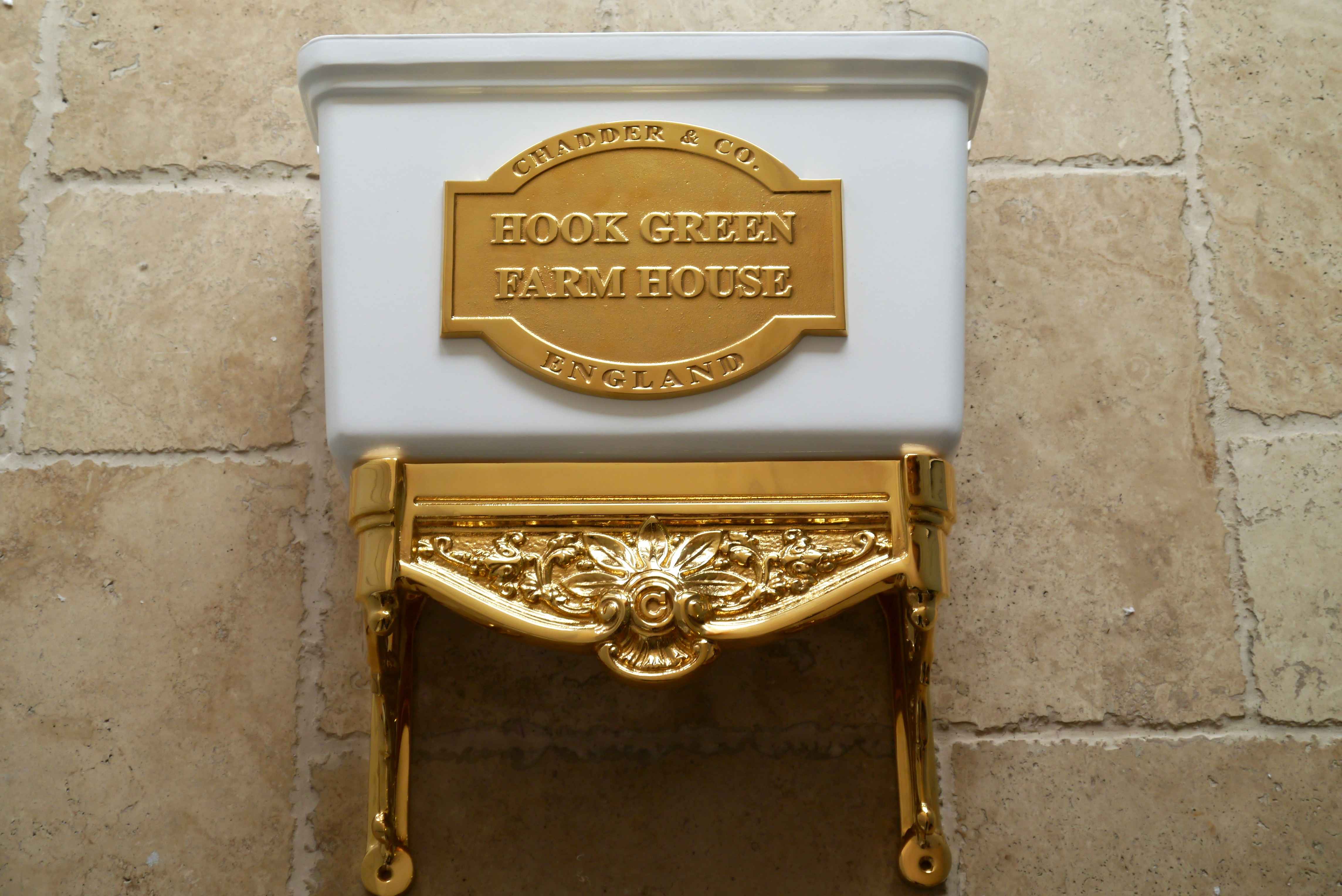 luxury traditional toilet cistern white and gold plate fittings