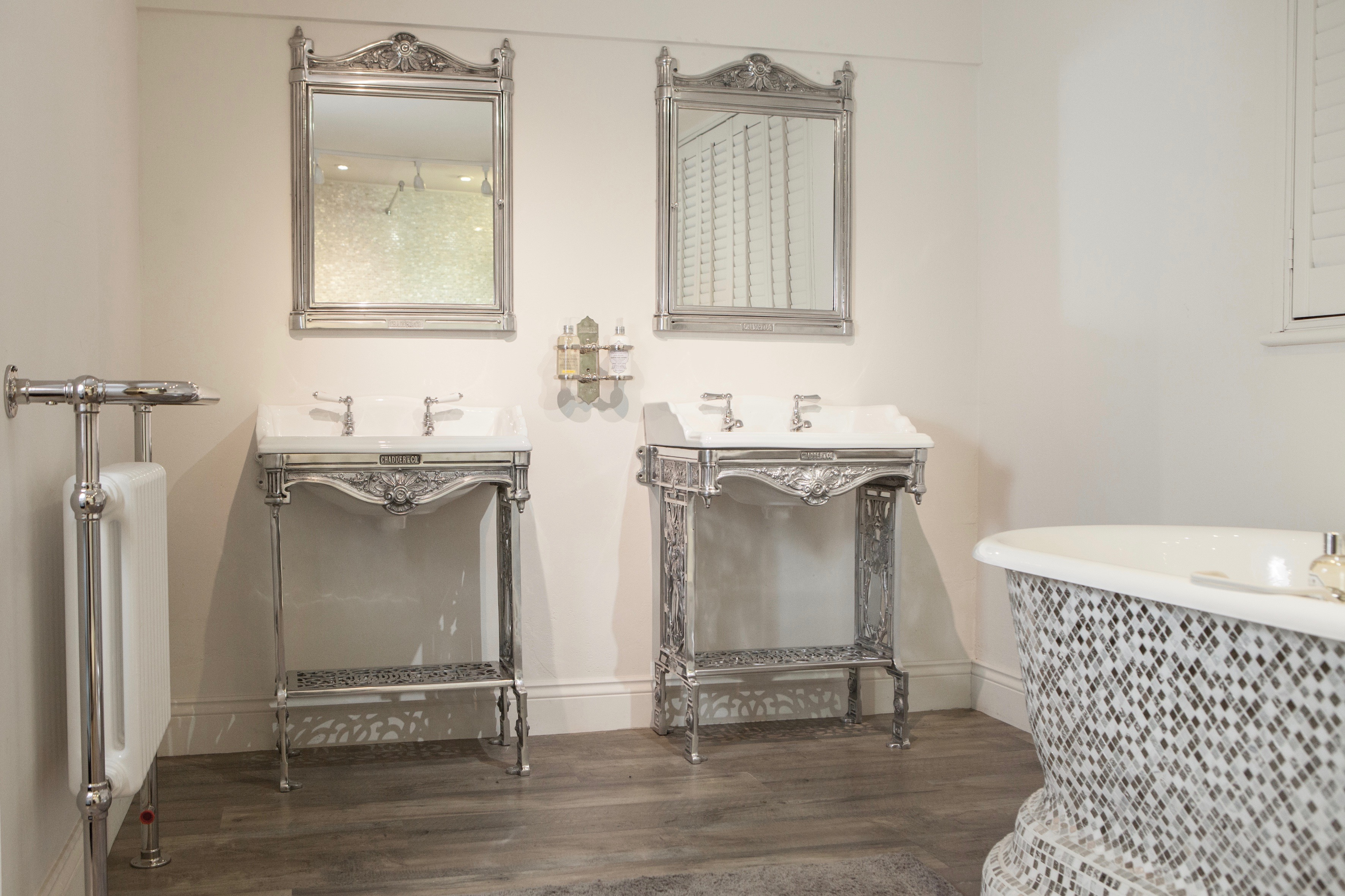 luxury bathroom traditional style basin mirrors