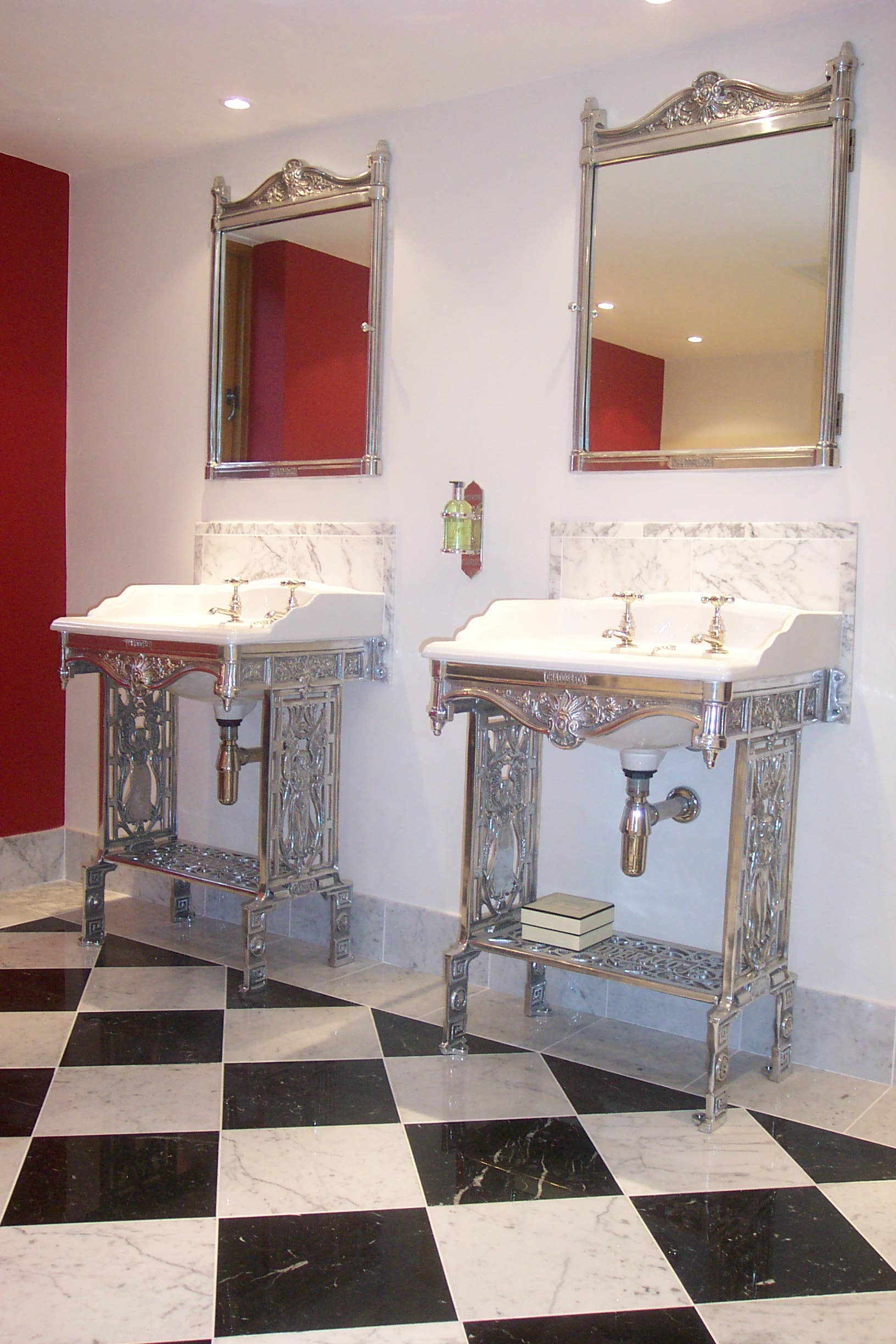 traditional style bathroom basins taps faucets mirrors