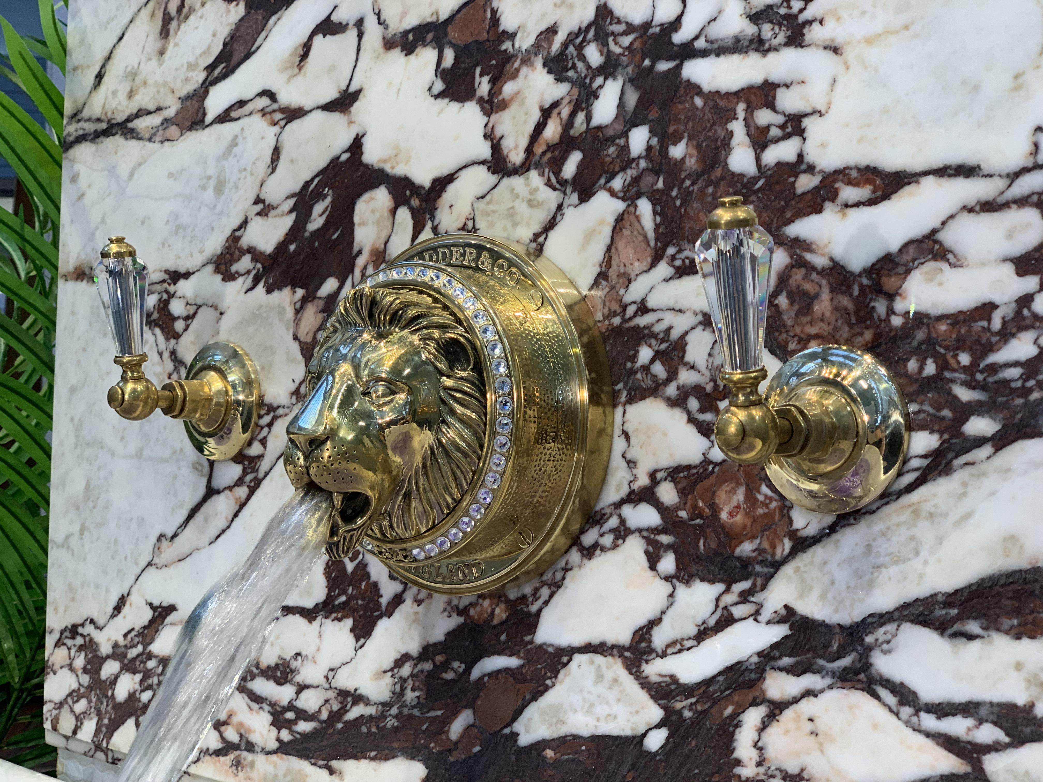 lionshead bath filler tap faucet Swarovski crystal bathroom