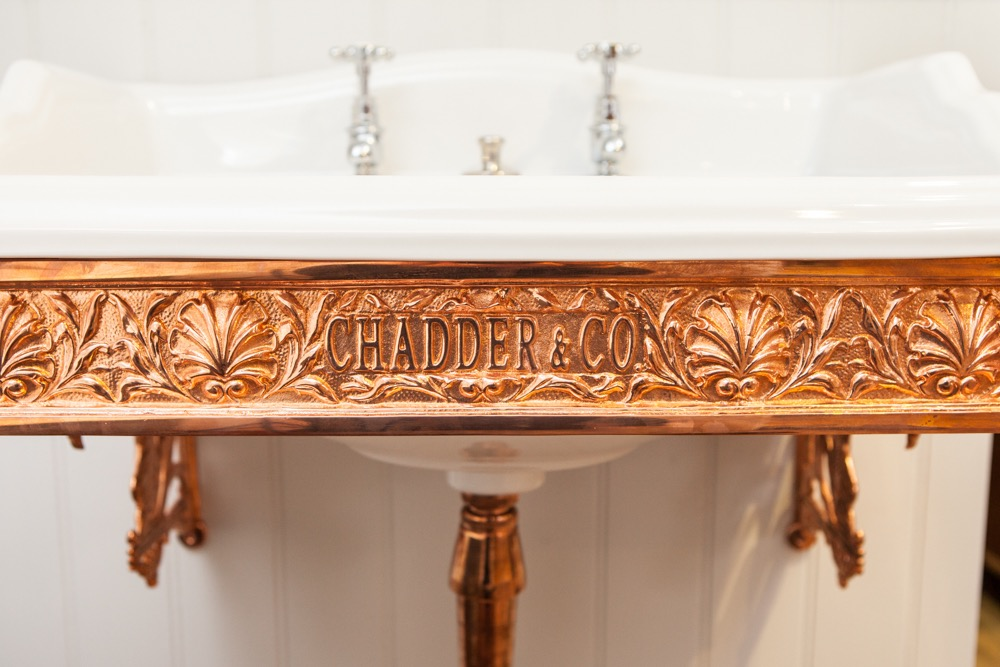 Sussex square basin frame in Copper with Classic Basin.