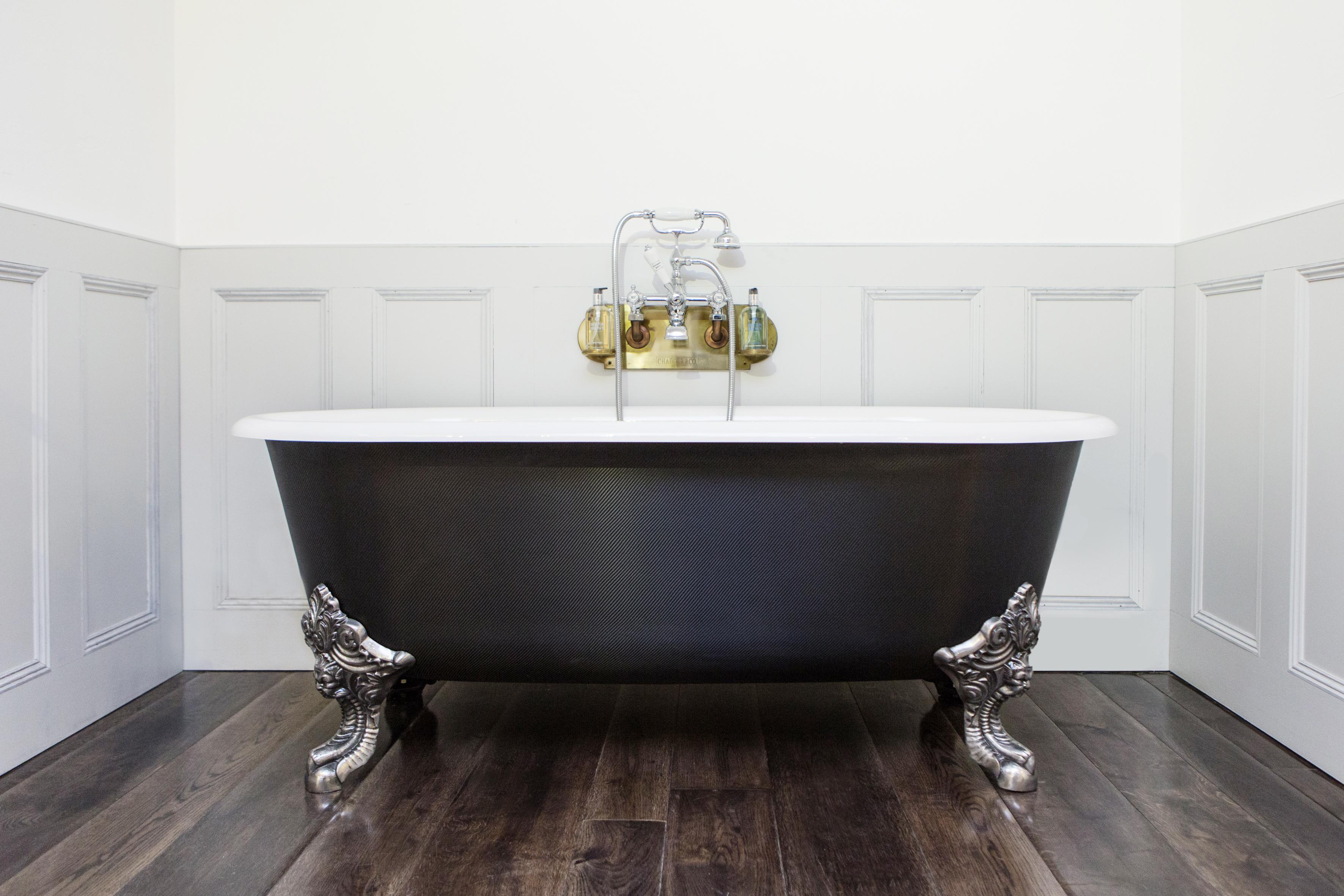 Blenheim Bath Wrapped in Carbon Fibre design