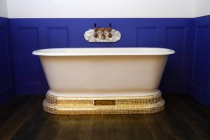 Chadite Windsor Bath with Pure Gold Style Plinth