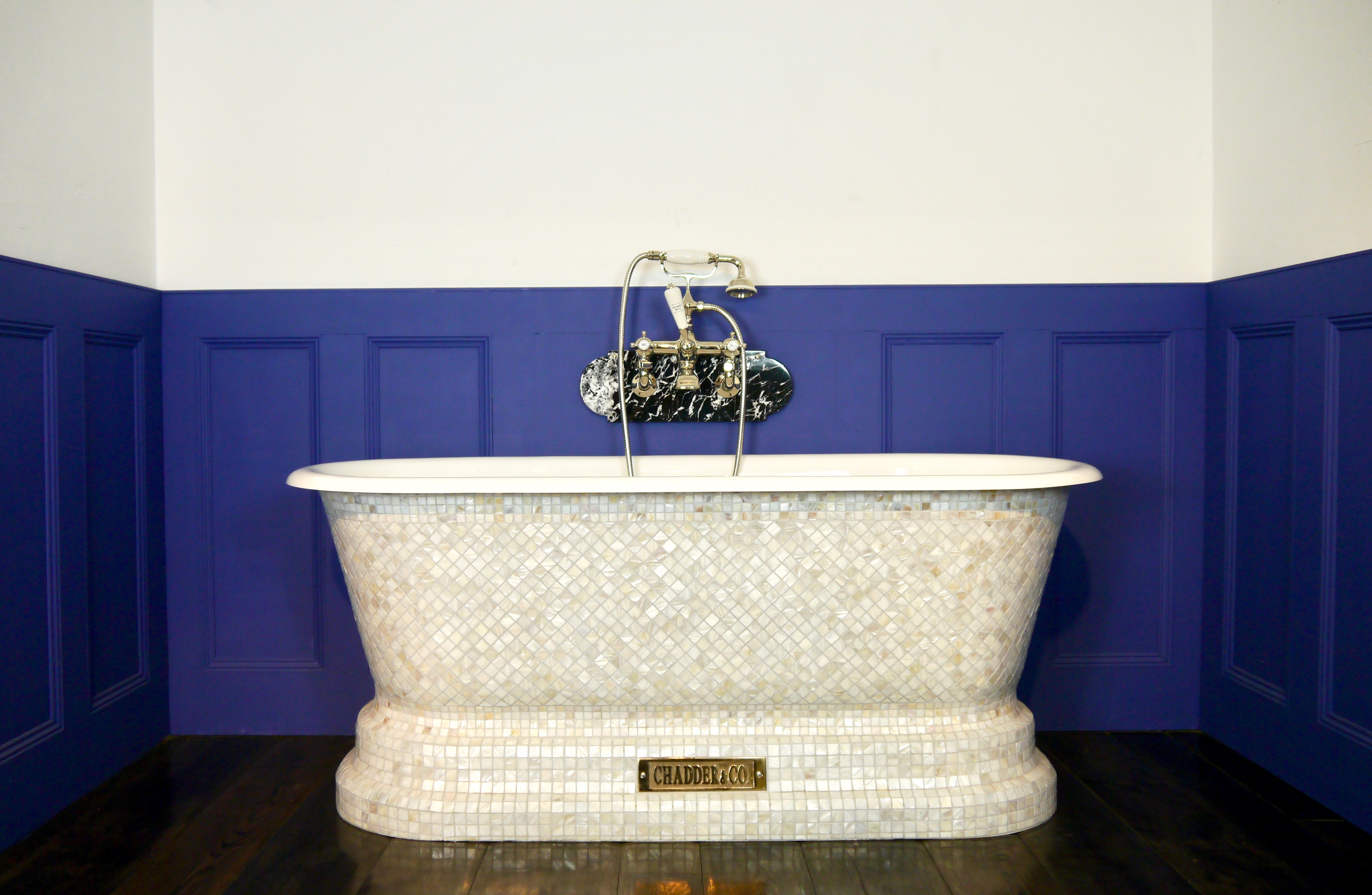 Windsor Bath with Mother of Pearl Mosaic Exterior