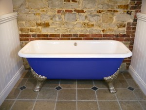 Antique Bath 6